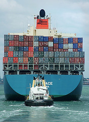 Container ship © John Parkinson CC BY-ND 2.0